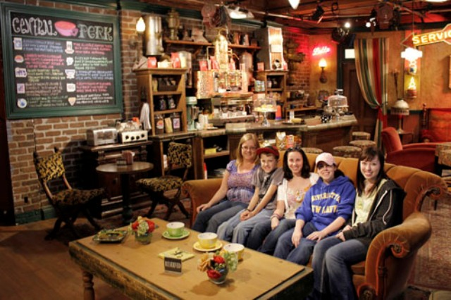 DCE LA 2011 - Team Molly at Central Perk