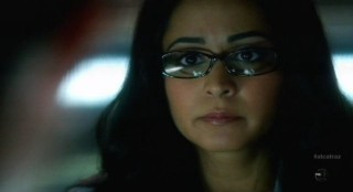 Alcatraz S1x02 - Parminder Nagra as Lucy questions Sylvane