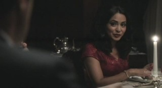 Alcatraz S1x04 - Lucy at dinner at Warden James residence