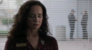 Alcatraz S1x04 - Poor Amanda is conned