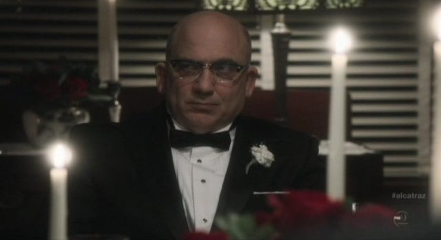 Alcatraz S1x04 - Warden James at his dinner party