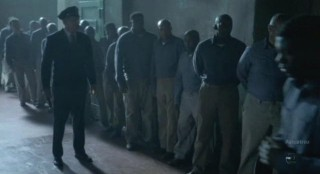 Alcatraz S1x08 - E B Tillers gaurds on duty