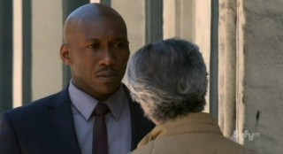 Alphas S2x02 - Agent Clay gets an earful from Dr Rosen