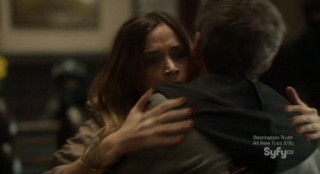 Alphas S2x02 - Eli is shot in the arms of Dani who was helping calm him