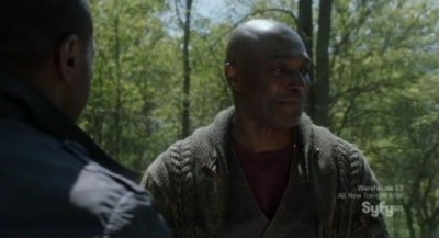 Alphas S2x06 - Claude tells Gary he does speak bee