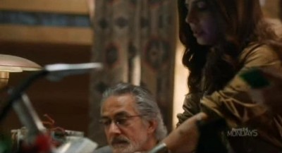 Alphas S2x06 - Rosen and Rachel work on the device