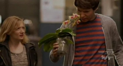 Alphas S2x08 - Kat gives gary a flowering plant for his man cave!