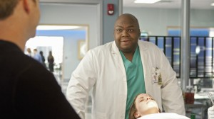 Body of Proof S2x08 Love Bites - In the lab with Curtis