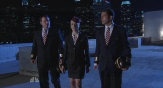 Chuck S5x03 - Lady and gentlmen in uniform