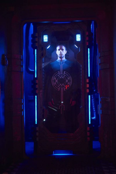 Dark Matter S1x01 One in the stasis chamber