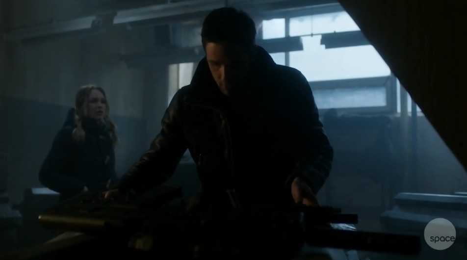 Dark Matter S01x02 On the surface with One