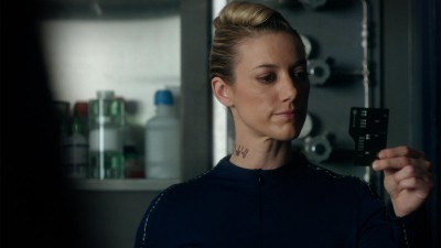 Dark Matter S01x05 The Android identifies an object