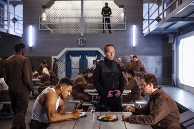 Dark Matter S2x01 Feeding time in prison
