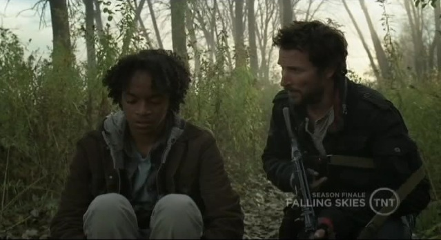 Falling Skies S1x10  Rick and Tom talking