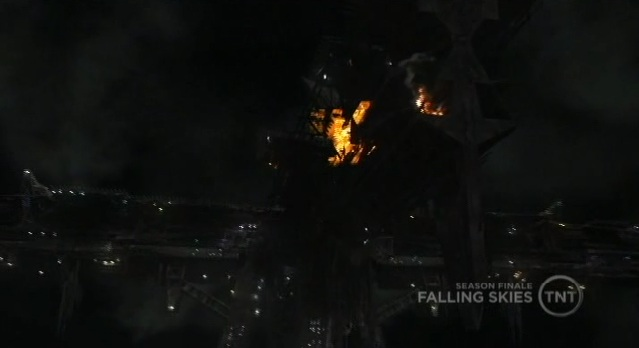 Falling Skies S1x10 Tom blew up one of their ships