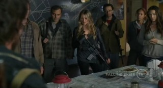 Falling Skies S1x10  Tom telling everyone they need to evacuate