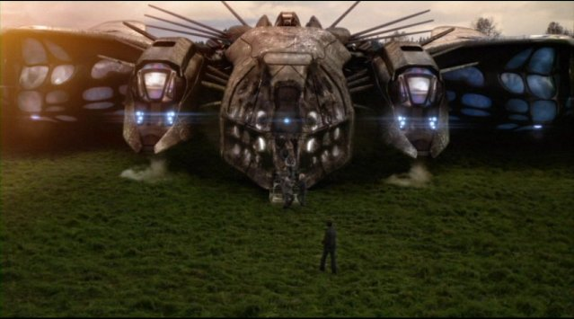 Falling Skies S2x01 Alien Beamer warship