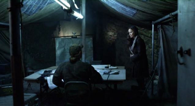 Falling Skies S2x01 Ann and Weaver talking