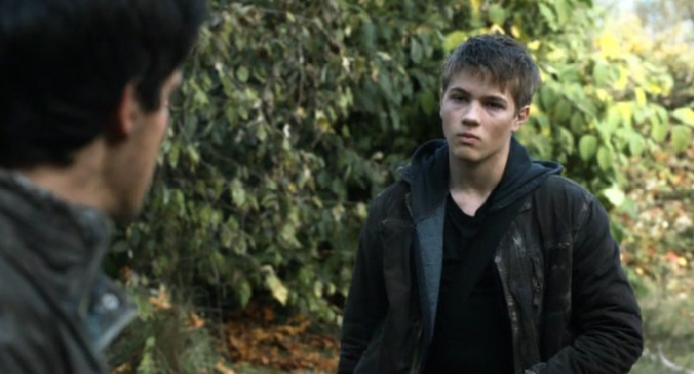 Falling Skies S2x01 Ben and Hal talking