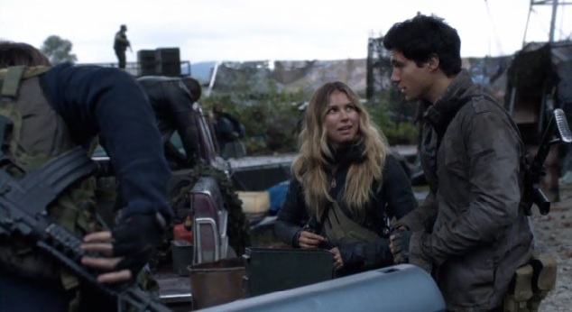 Falling Skies S2x01 Hal and Maggie talking
