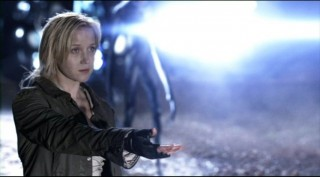 Falling Skies S2x01 Karen beckons to Tom