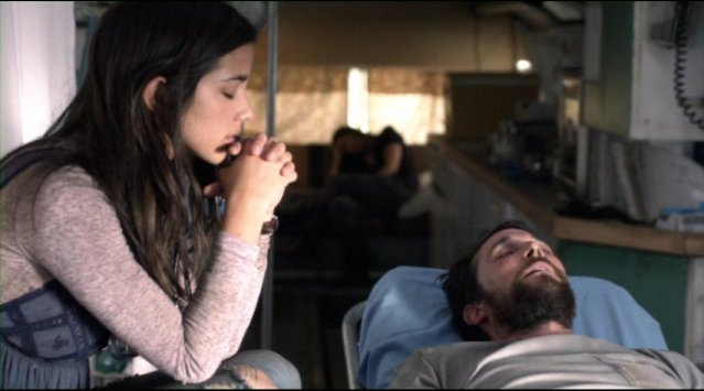 Falling Skies S2x01 Lourdes prays for Tom to recover