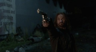 Falling Skies S2x01 Pope shooting