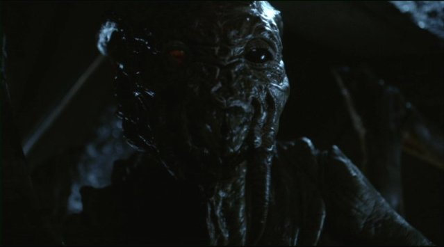 Falling Skies S2x01 Skitters are everywhere
