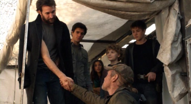 Falling Skies S2x01 Tom and Weaver