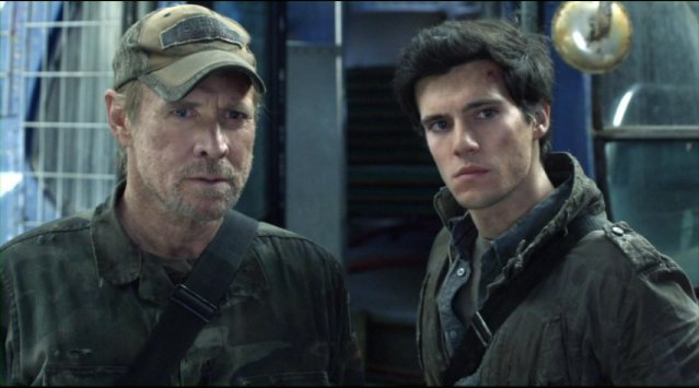 Falling Skies S2x01 Weaver and Ben confront Pope