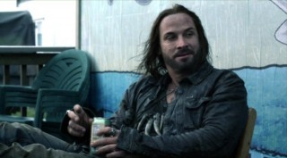 Falling Skies S2x03 - Beserker Pope kicks back