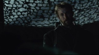 Falling Skies S2x03 - Noah Wyle as Tom Mason