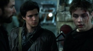 Falling Skies S2x03 - Tom Hall and Ben after an alien incident