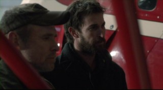 Falling Skies S3x03 - Weaver and Mason struggle to help the Resistance survive