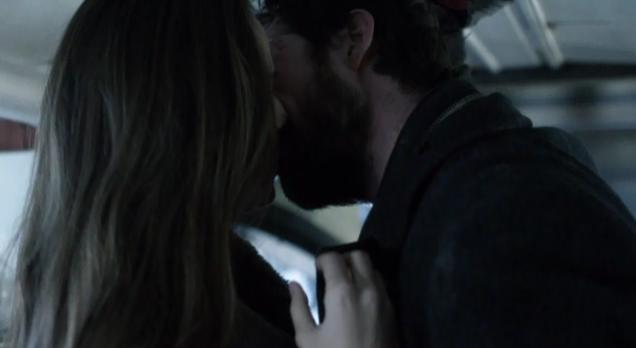 Falling Skies S2x03 - Tom and Anne share a tender romantic kiss