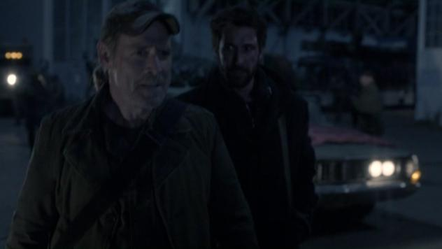 Falling Skies S2x03  - Weaver is staying in