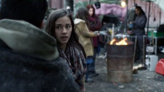 Falling Skies S2x04 - Lourdes stunned about Parras Mexico news