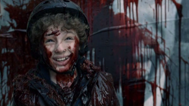 Falling Skies S2x04 - Gleeful Matt Covered in Skitter Blood