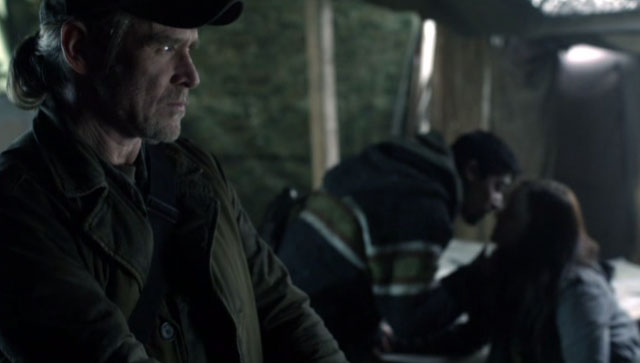 Falling Skies S2x04 - Protective Papa Bear Weaver