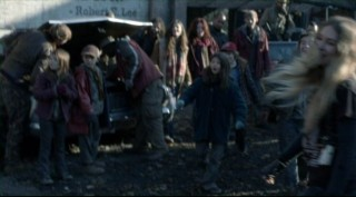 Falling Skies S2x04 - Family fun playing Skitter Ball!