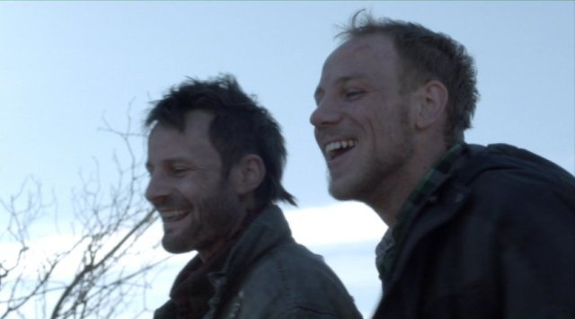 Falling Skies S2x04 - Tector and Boon ecstatic with their Skitter kill