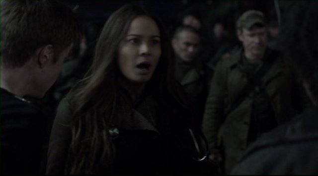 Falling Skies S2x05 - Anne Glass wonders who will get a room to make babies