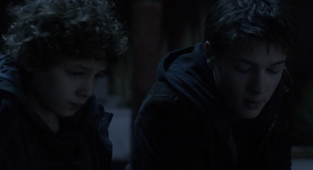 Falling Skies S2x05 Ben and Matt talking