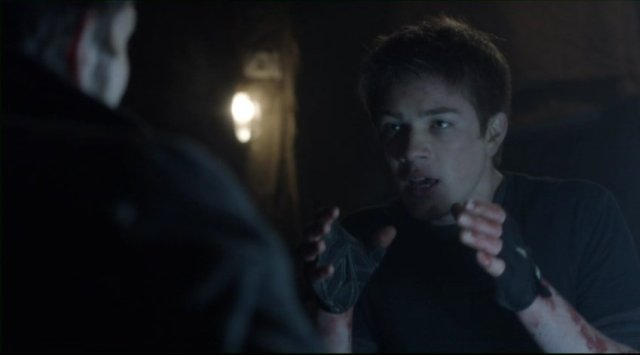 Falling Skies S2x05 - Ben explains something to his father Tom