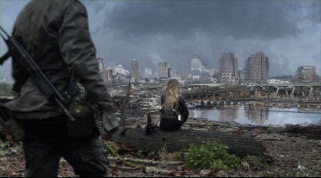 Falling Skies S2x05 - Devasted city on the journey to Charleston