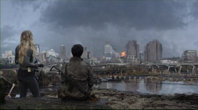 Falling Skies S2x05 - Hal and Maggie wonder about an explosion in the distance