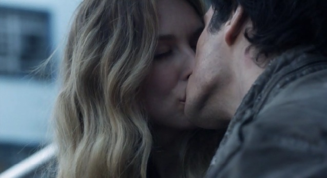 Falling Skies S2x05 Maggie and Hal kissing