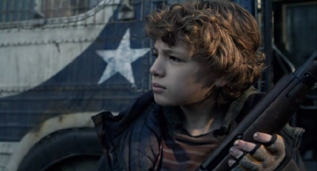 Falling Skies S2x05 Matt guarding the med bus