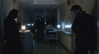 Falling Skies S2x05 - Who else besides Anne and Tom need to get a room?