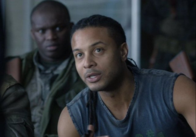 Falling Skies S2x06 - Handyman Jamil portrayed by Brandon Jay McLaren
